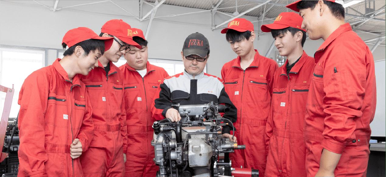 自動車エンジニアコースの写真